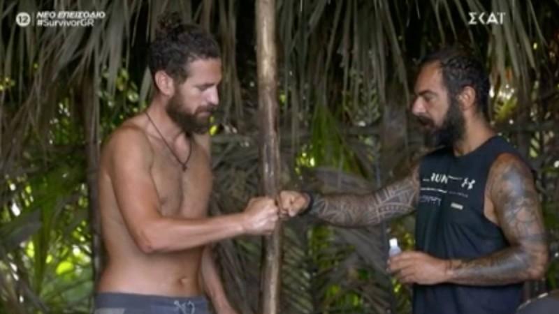 Survivor 4: Ανατροπή στην «κόκκινη» παραλία - Τα βρήκαν Τριαντάφυλλος και Κώστας