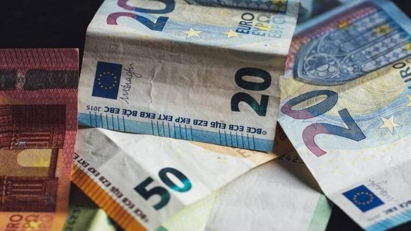 Επίδομα 400 ευρώ: Πότε αναμένεται να δουν χρήματα στους λογαριασμούς τους ελεύθεροι επαγγελματίες και επιστήμονες