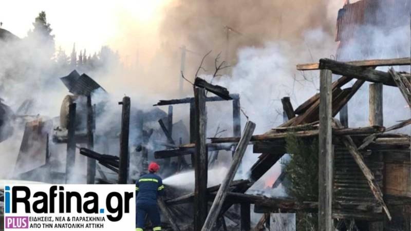 Συναγερμός στη Ραφήνα: Μεγάλη φωτιά σε εργοστάσιο
