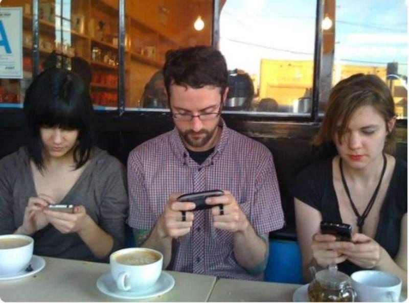 Τα προβλήματα υγείας του δημιουργεί το κινητό όταν το βάζεις στην τσέπη