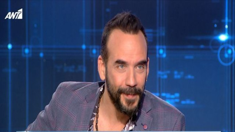 Πάνος Μουζουράκης: «Στα 14 μου μπάρμπας στο καφενείο με έβαλε στο αμάξι και με πήγε σε ένα δάσος...» (Video)