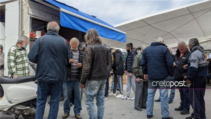 Κρήτη: Συνωστισμός σε λαϊκή αγορά παρά το σκληρό Lockdοwn!