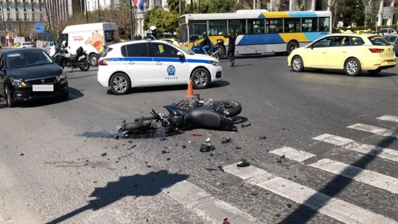 Τροχαίο έξω από τη Βουλή: Τραγικές ώρες για την οικογένεια του 23χρονου - Κάνει έκκληση για αυτόπτες μάρτυρες