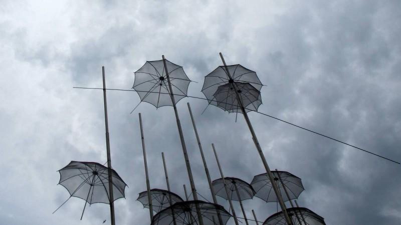 Άστατος ο καιρός σήμερα: Νεφώσεις και τοπικές βροχές