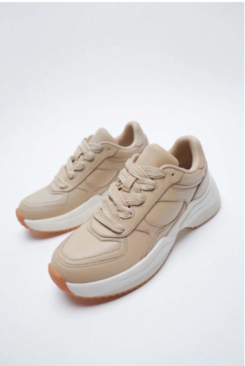 Παπούτσια από τα καταστήματα ZARA