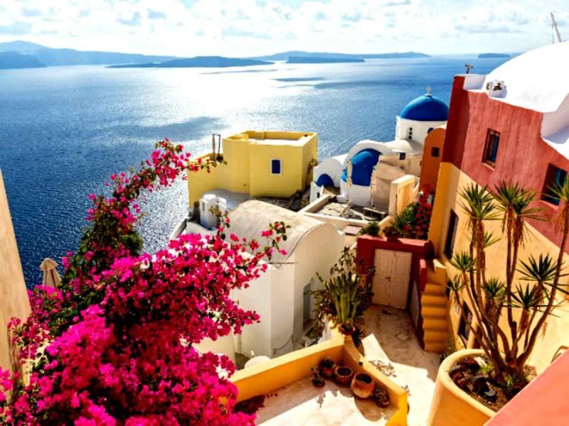 Τουρισμός: Η Ελλάδα στην «πράσινη λίστα» της Βρετανίας για διακοπές