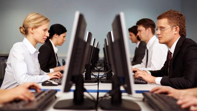 Ανατροπή με τα εργασιακά: Αυτά ισχύουν με τις αλλαγές στο 8ωρο