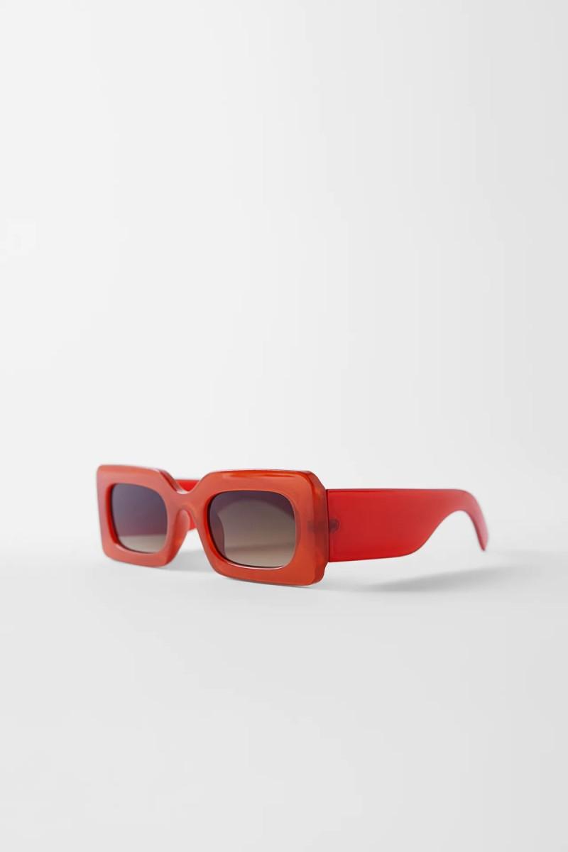 Κοκάλινα γυαλιά από το ZARA