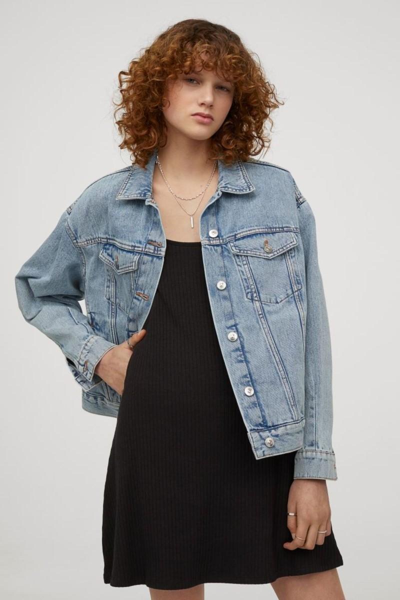 Το νέο φόρεμα των H&M που κοστίζει 9,99€