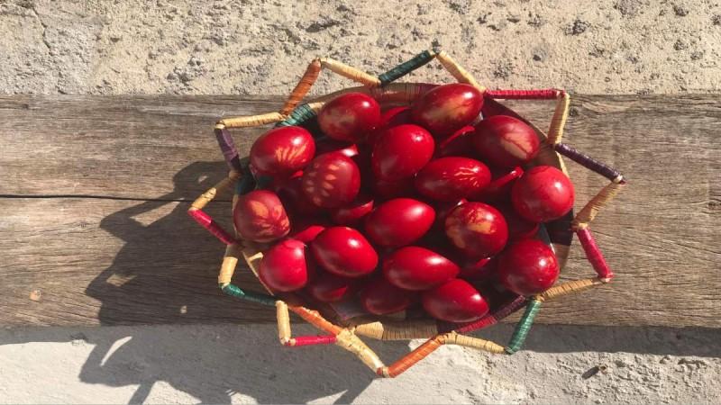 Ξέρεις γιατί βάφουμε κόκκινα τ' αυγά την Μ. Πέμπτη;