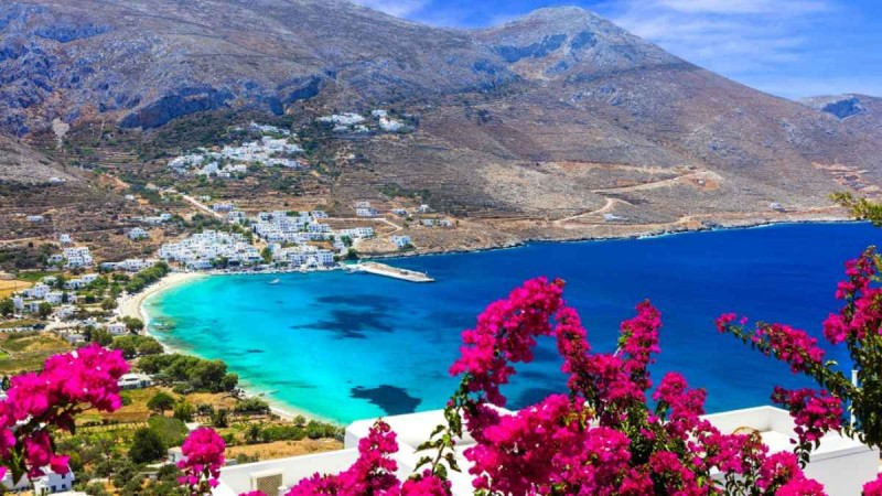 Η Ελλάδα στην «πράσινη λίστα» της Βρετανίας για διακοπές