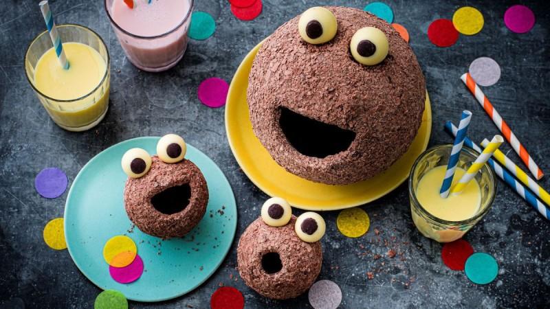 Marks & Spencer Food: Νέα σειρά από σοκολατένια Πασχαλινά Αυγά, hot-cross buns και λαχταριστές επιλογές, όπως τα απίστευτα Ombles!
