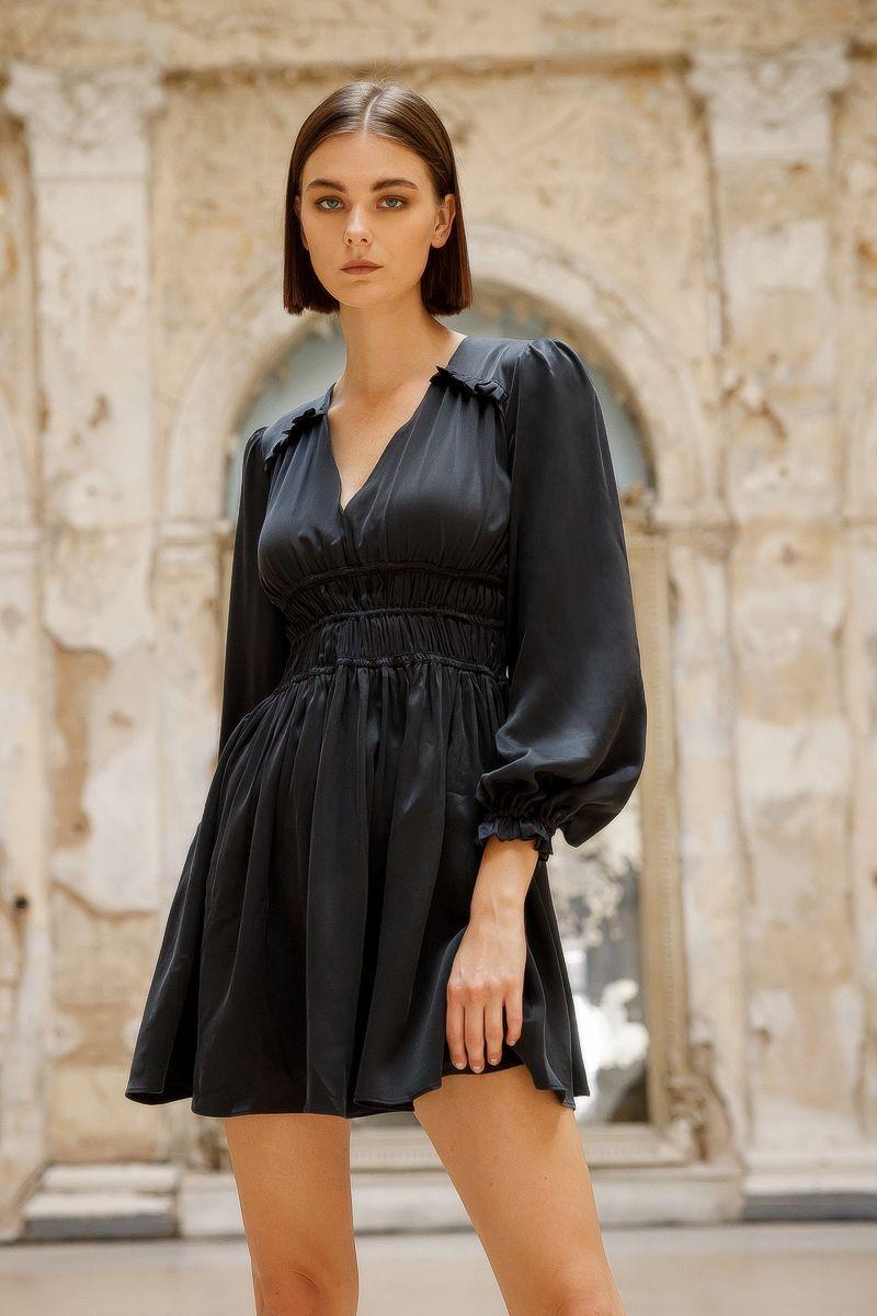 Το μεταξωτό φόρεμα είναι ένα από τα tips για μεγάλο στήθος