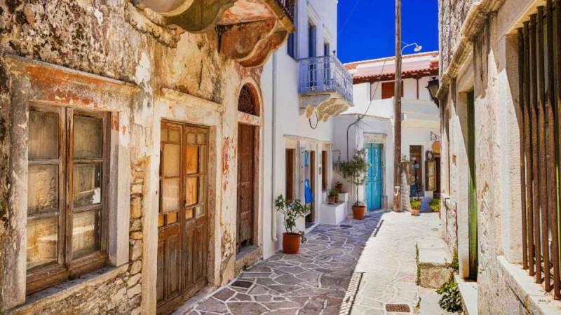 Νάξος: Γνωρίστε το ιστορικό Χαλκί, το γραφικό χωριό του νησιού