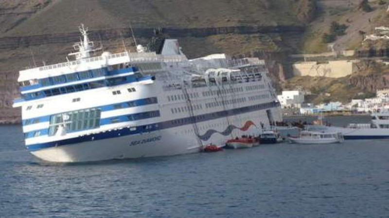 Το ελληνικό κρουαζιερόπλοιο «Sea Diamond»