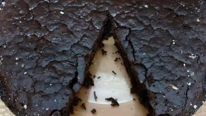 Νηστίσιμη σοκολατόπιτα - Εύκολη και γρήγορη συνταγή