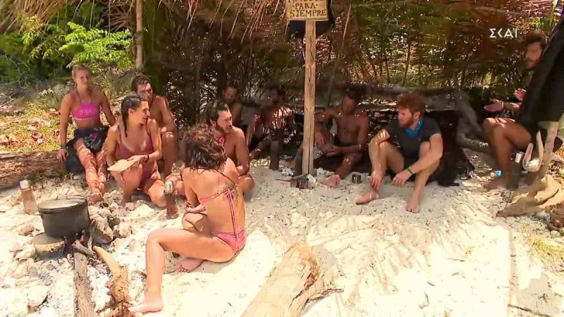 Survivor 4: «Πόλεμος» κόκκινης και μπλε ομάδας μετά το αγώνισμα - «Το πήρατε στα χαρτιά»