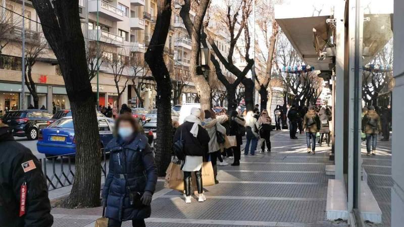 Ανοίγουν τα καταστήματα σε Αχαΐα, click away στη Θεσσαλονίκη και κλειστά στην Κοζάνη