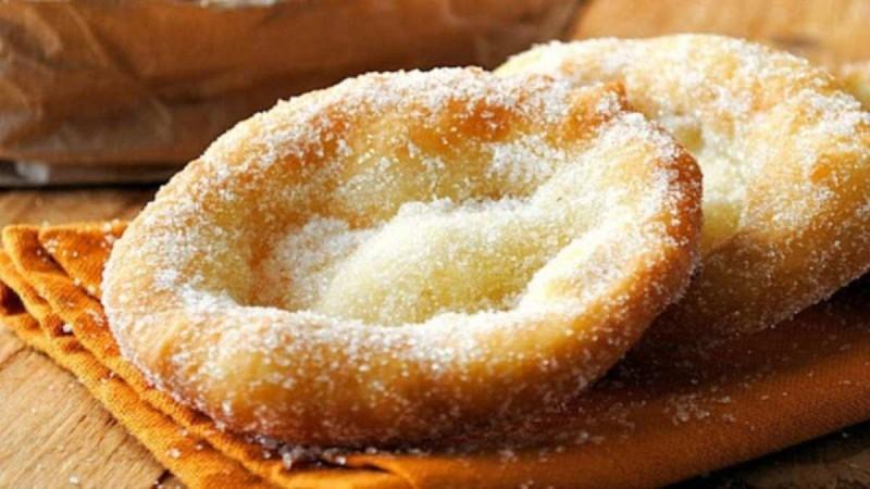 Αφράτες τηγανίτες με ζάχαρη... μια συνταγή από τα παλιά!