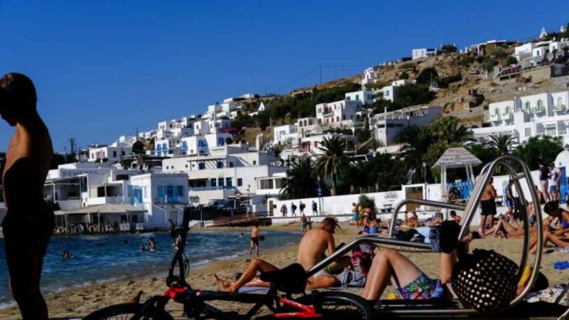 Τουρισμός: Ταξιδιώτες από ΕΕ και 5 ακόμη χώρες θα έρχονται στην Ελλάδα από Δευτέρα