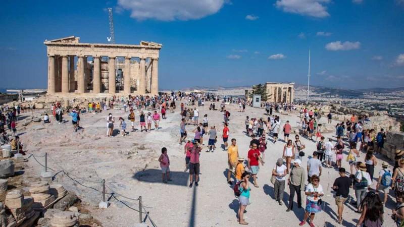 Κρας τεστ από σήμερα για τον τουρισμό - Πώς θα έρχονται στη χώρα μας οι τουρίστες