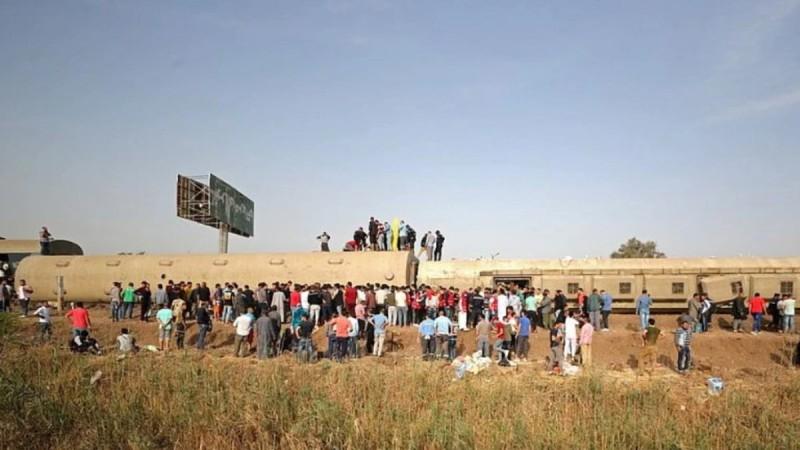 Τραγωδία στην Αίγυπτο: Εκτροχιασμός τρένου με νεκρούς και τραυματίες (Video)
