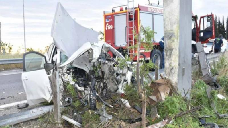 Εικόνες φρίκης από το τροχαίο δυστύχημα στην Ημαθία - Νεκρός 49χρονος