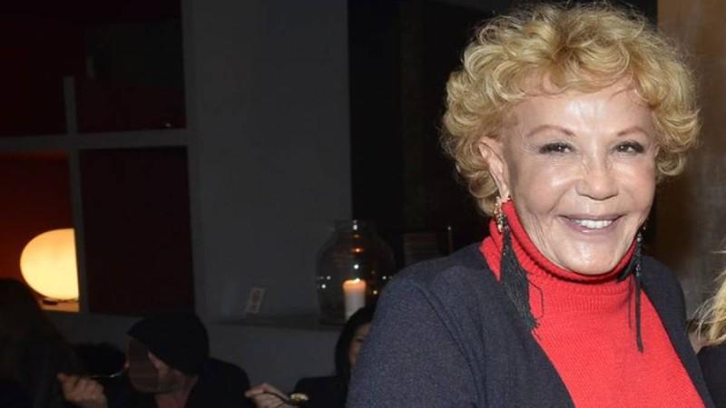 """Ζωή Λάσκαρη: """"Κοιμόταν"""" νεκρή δίπλα στον Λυκουρέζο - Ποιος τη βρήκε"""