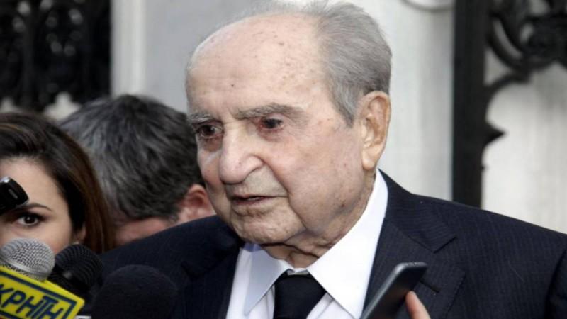 Μίσος για τον Κωνσταντίνο Μητσοτάκη στα Χανιά: Οι εικόνες που ξεφτιλίζουν την μνήμη του