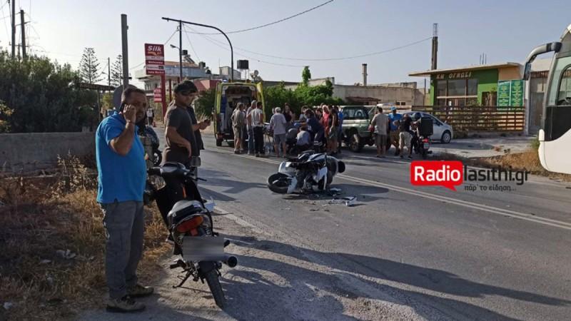 Διαλύθηκε μηχανή μετά από σφοδρότατη σύγκρουση με αυτοκίνητο
