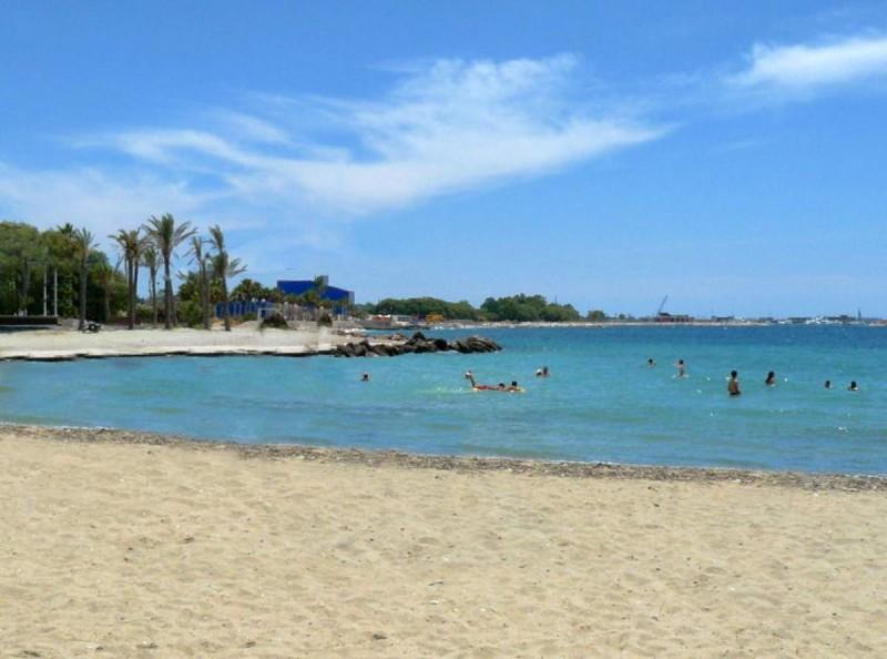 Η παραλία του Αγίου Κοσμά