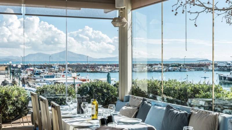 Που τρώμε με θέα θάλασσα από 20 ευρώ από Παρασκευή μέχρι Κυριακή
