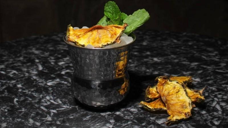 9+1: Τα καλύτερα cocktail bars της Αθήνας