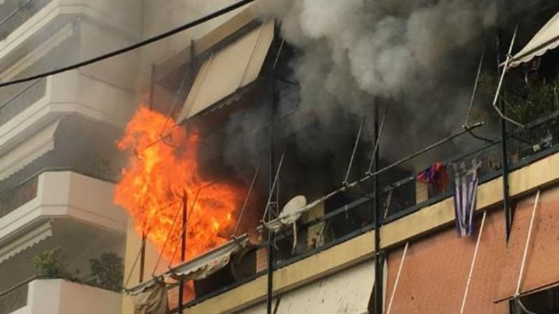 Φωτιά σε διαμέρισμα στην πλατεία Κολιάτσου