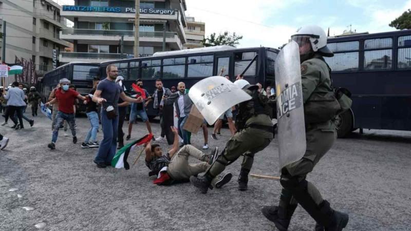 Επεισόδια με χημικά έξω από την πρεσβεία του Ισραήλ: Διακοπή κυκλοφορίας στην Κηφισίας