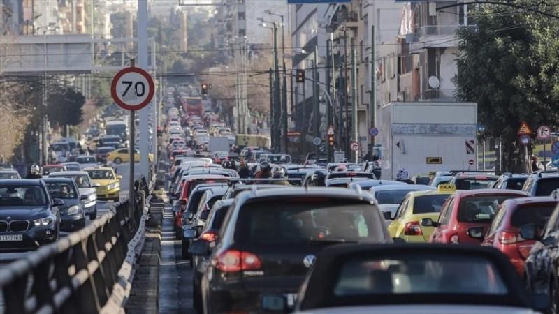 Κυκλοφοριακό κομφούζιο στους δρόμους της Αθήνας - Που επικρατεί μποτιλιάρισμα