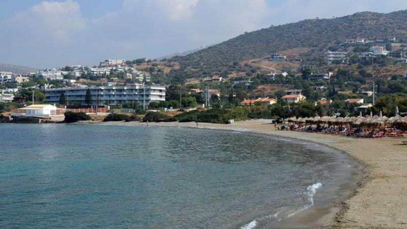 10+1: Παραλίες στην Αττική χωρίς είσοδο και μια μυστική για λίγους
