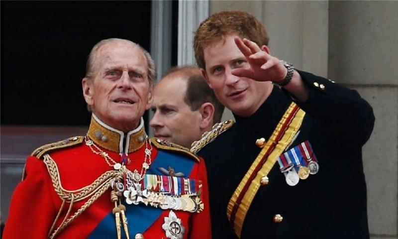 Ο πρίγκιπας Φίλιππος συμπεριέλαβε τον Χάρι στη διαθήκη του