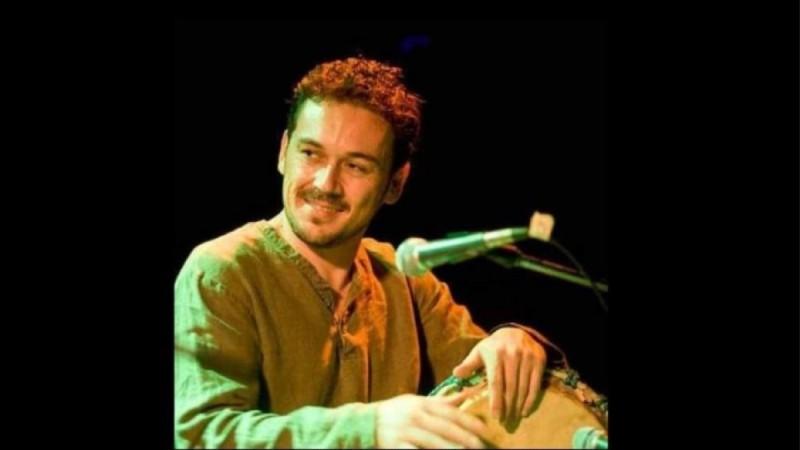 Πέθανε ο 43χρονος μουσικός Γιάννης Ρομπογιαννάκης