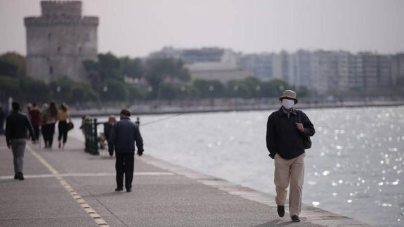 Με αυξανόμενο ιικό φορτίο ανοίγει η Θεσσαλονίκη