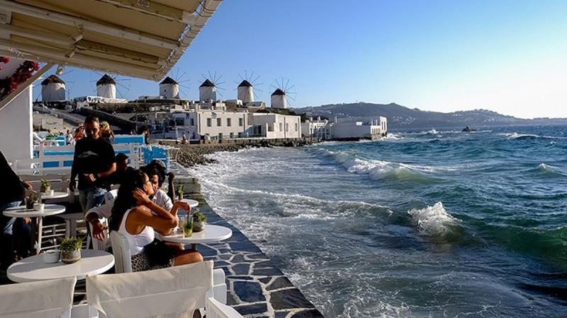 Τουρισμός: Η Ελλάδα θέτει σε ισχύ το πράσινο διαβατήριο - Το μεγάλο στοίχημα για την υποδοχή των τουριστών!