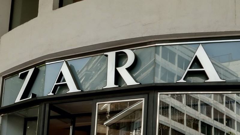 ZARA: Κάνε δικά σου τα απόλυτα σανδάλια με 14.99€