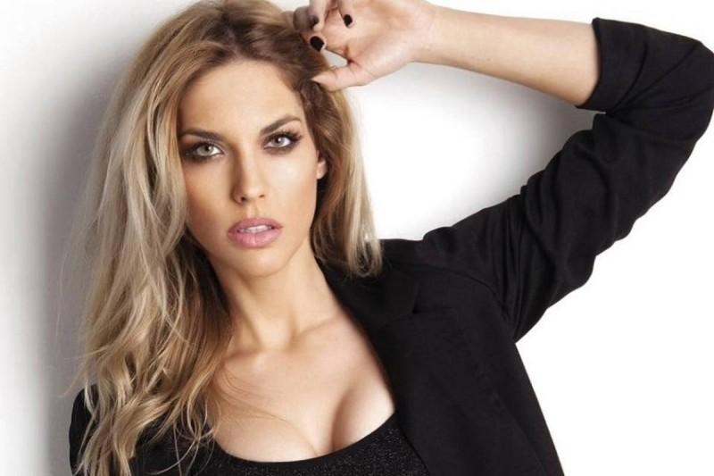 12 διάσημες Ελληνίδες που έχουν παραδεχτεί ότι έκαναν πλαστικές επεμβάσεις