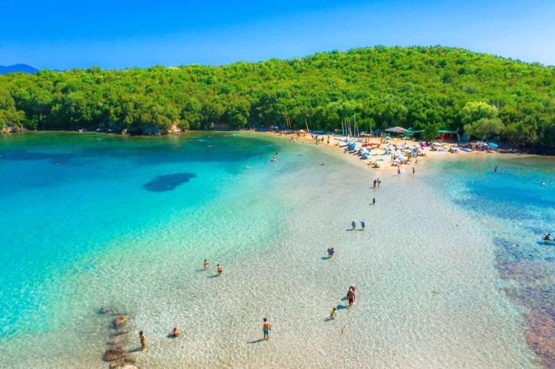 Μπέλα Βράκα, Σύβοτα παραλία