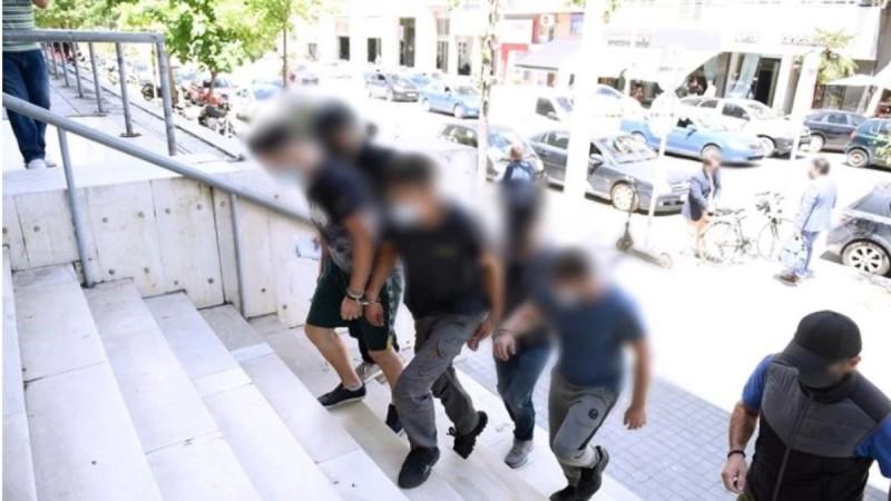 Θεσσαλονίκη: Ελεύθεροι οι τρεις συλληφθέντες για το κορωνοπάρτι στο ΑΠΘ