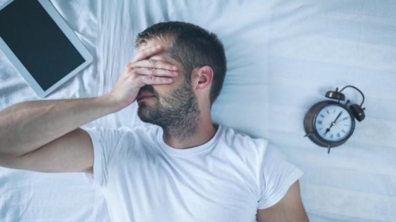 Αν δεν κοιμάσαι καλά, έχεις πιθανότητες να νοσήσεις βαριά με κορωνοϊό - Δέκα τρόποι για να νικήσεις την αϋπνία