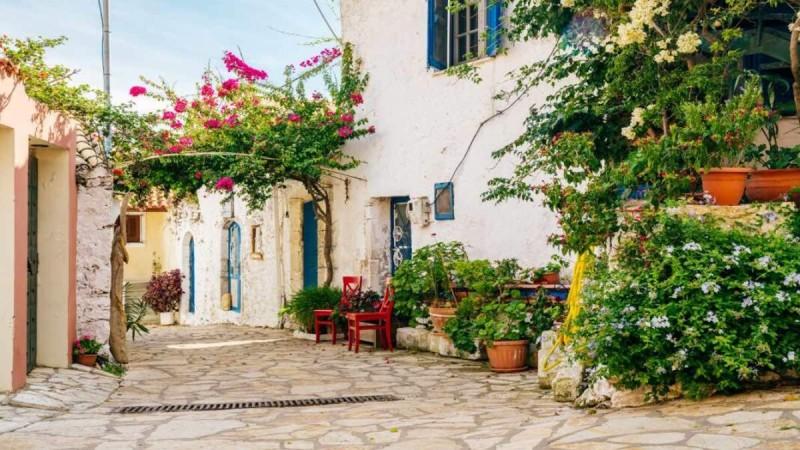6+1: Τα ομορφότερα και πιο γραφικά χωριουδάκι στα Επτάνησα που θα σας εντυπωσιάσουν!
