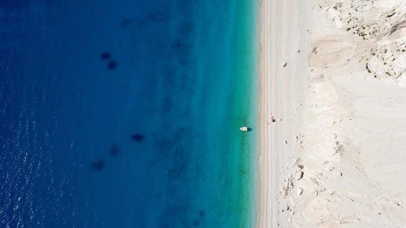 9+1 top παραλίες του Ιονίου αλλά και δυο ακόμη που τα νερά τους θυμίζουν Χαβάη