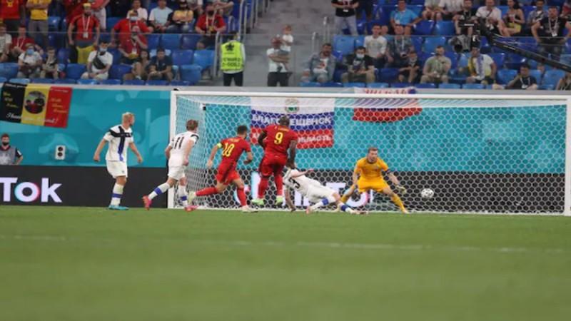 Euro 2020: Ο Λουκάκου έστειλε δώρο πρόκρισης στον... Έρικσεν!