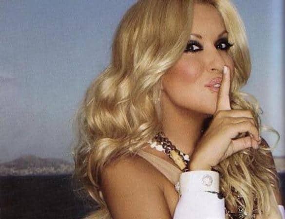 10 διάσημες Ελληνίδες που έχουν απατήσει τον σύντροφό τους και το παραδέχθηκαν!
